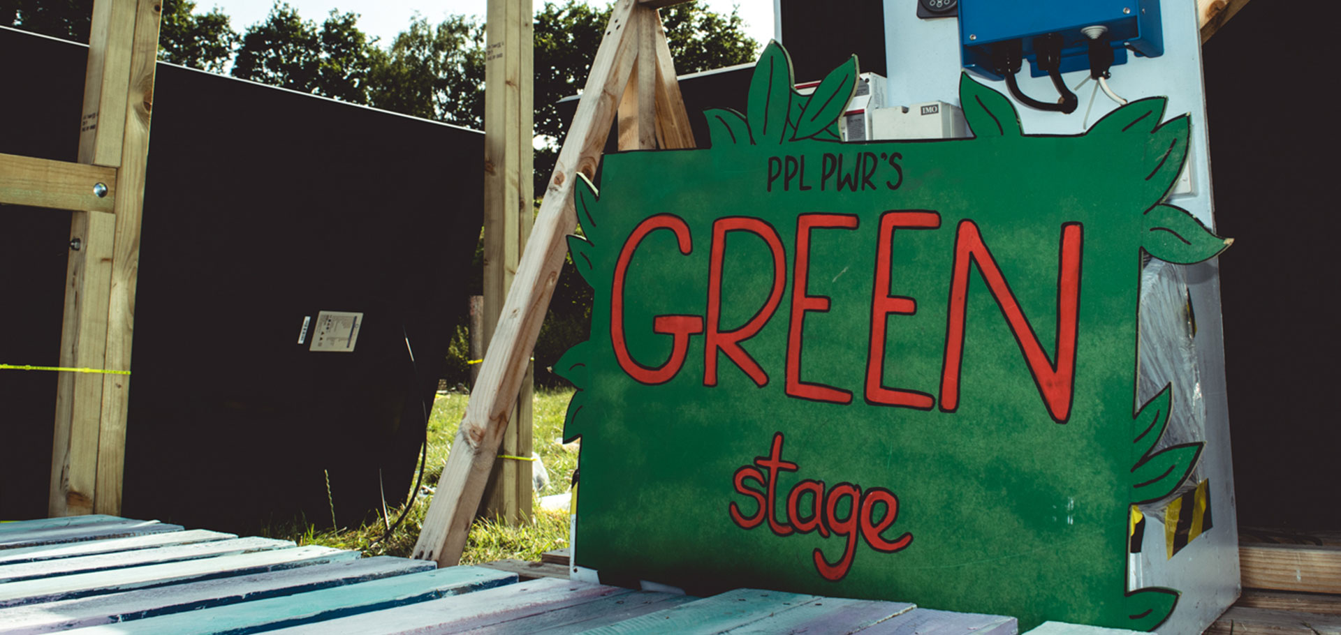 green_stage_1920x910